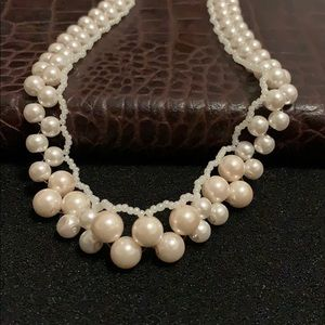 Jewelry - NWOT handmade beaded pearl necklace